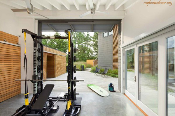 A different angle of this beach house garage gym. Looks nice out there