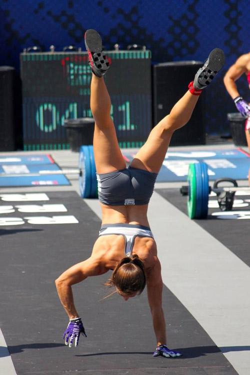 CrossFit motivation - the handstand walk #Games