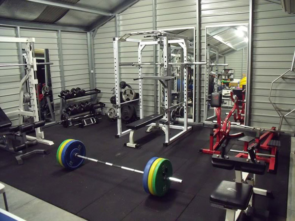 Free-standing private garage gym - too cool #shedgym