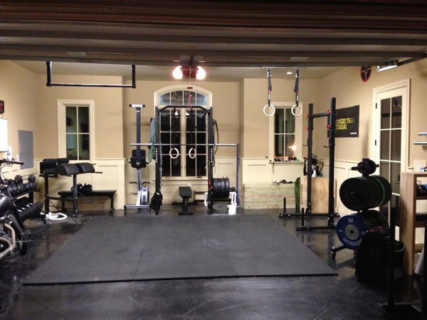 Super luxurious and fully committed garage gym. No storage in here