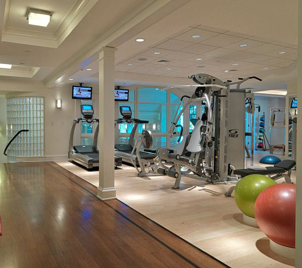 Looks sterile - Nice multi-gym. I like the medicine ball holder in the back