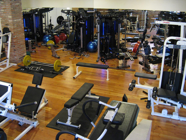 lol wtf? Is this someone's home gym?