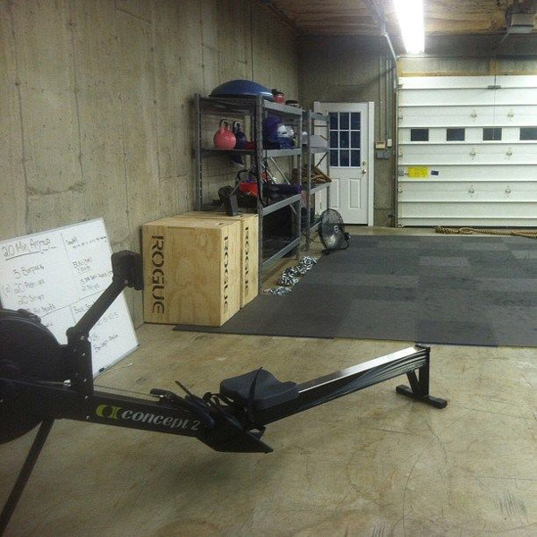 Looks like there is a lot of space in this garage - cool concept 2