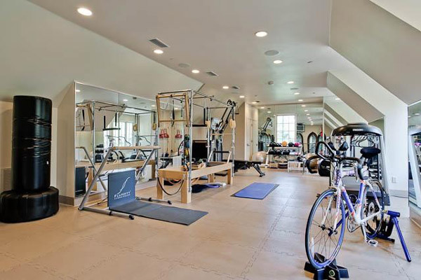 Rather interesting home gym set up here