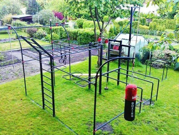 Very elaborate monkey bar set up Lots of fitness to be performed here