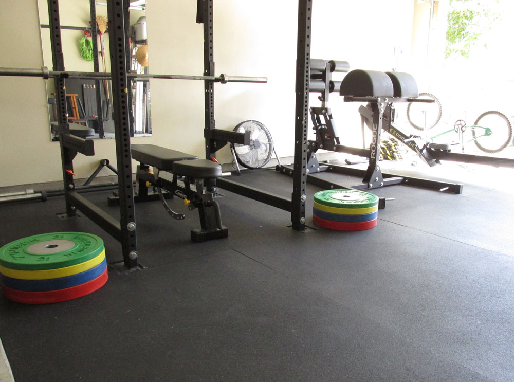 My previous garage gym set up with the Rogue R4 Rack