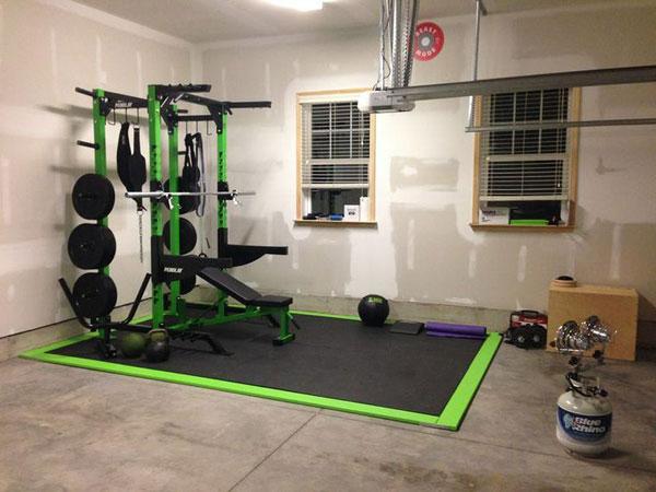 Stylized green garage gym. Not too shabby #gymlife