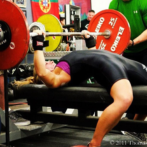 Women powerlifting is some sexy business #powerlifting