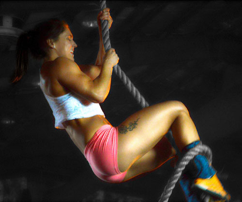 A little air brushed rope climbing action #CrossFit #Fitblr