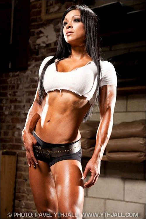 Sonia Gonzales looking hot and intimidating #fitblr #darkandsexy