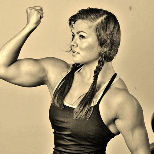 Sophie Arvebrink at the gun show @female @strength