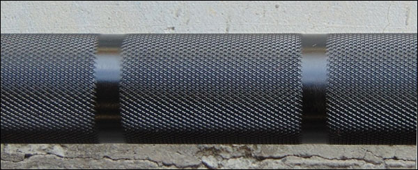 Vulcan Training 28.5 Olympic Bearing Bar - knurling