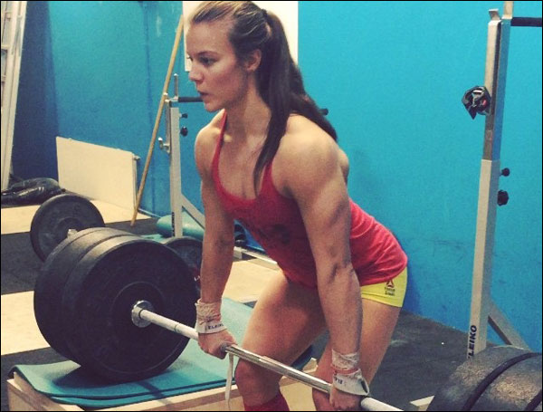 Bjork Odinsdottir pulling some XFs from the blocks