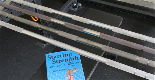 Borrowed image from Starting Strength guide - bar knurl patterns
