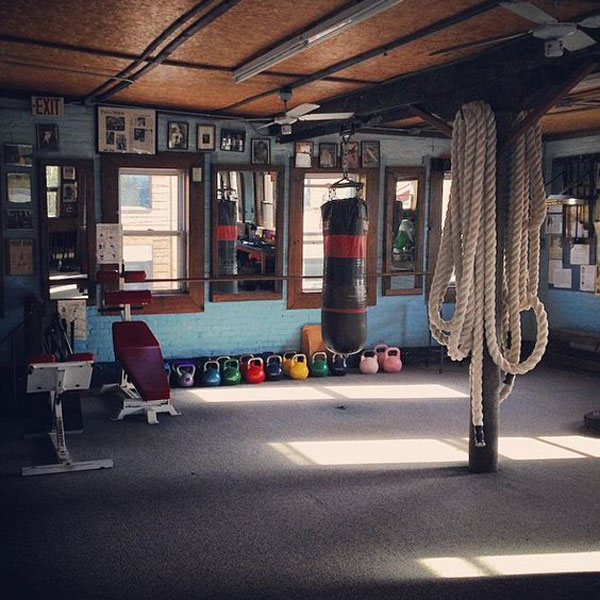 Classic studio gym, very spacious and clean.