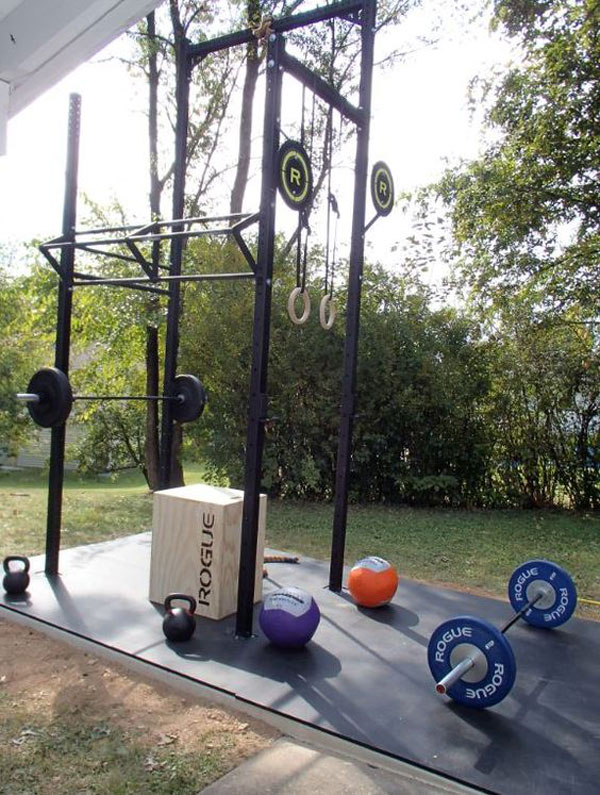 Private outdoor Rogue rigging system - CrossFit on your own time, in your own backyard