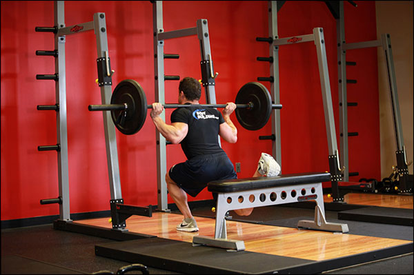 Bottom position of the Bulgarian Split Squat (one legged barbell squat) - image courtesy of bodybuilding.com