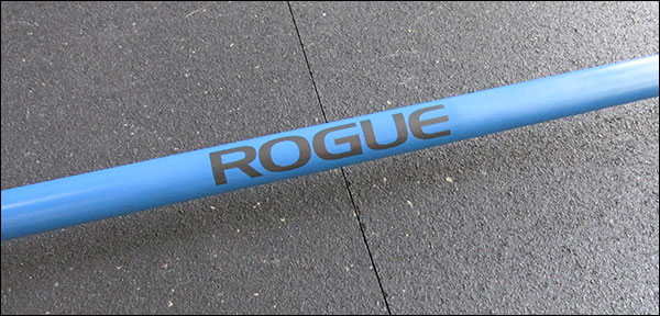 No center knurling on the Rogue Bella Bar Cerakote, just a giant Rogue logo
