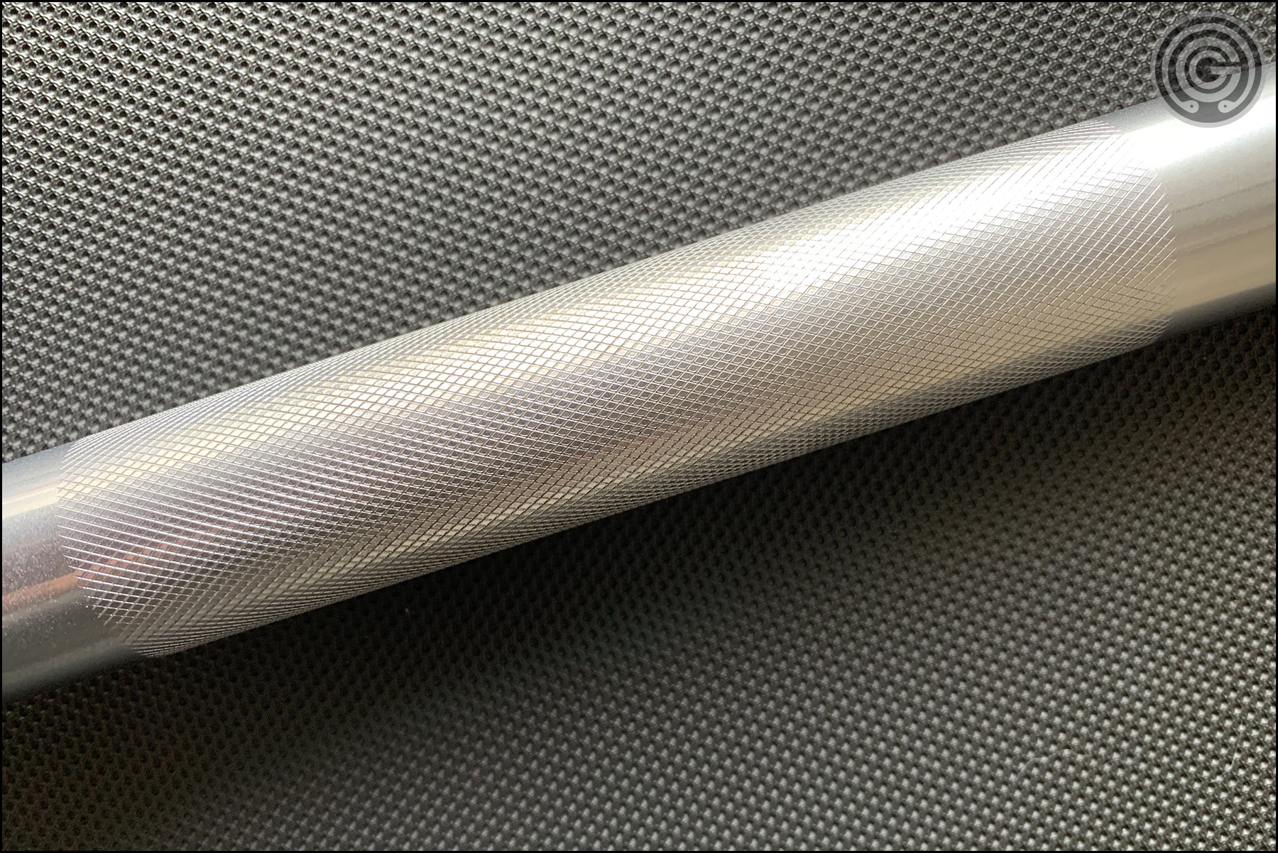 Rogue Matt Chan Bar - Alternative Center Knurling View