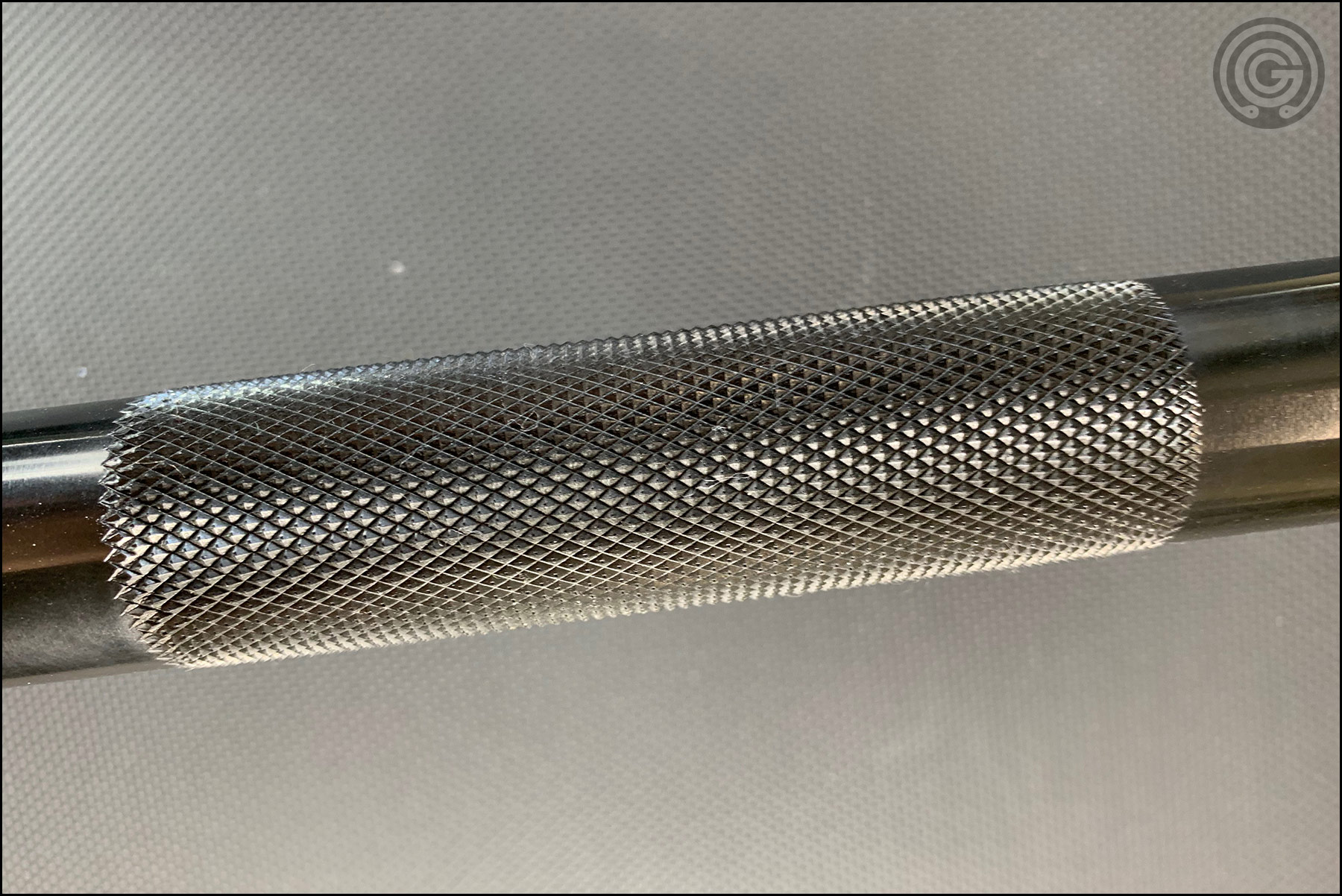Vulcan Elite Power Bar V2 (black zinc variant) Center Knurling
