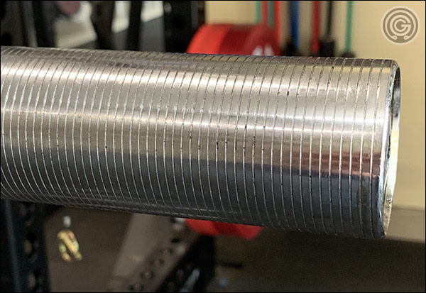 The Hybrid Bar's sleeves. The grooves really have more of a thin, recessed valley than a pronounced ridge. This type of texture is going to be far less annoying for those who dislike the typical, grooved sleeves.