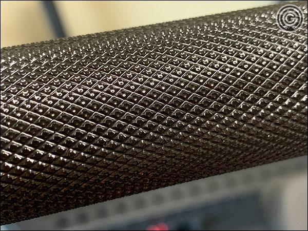 Rogue Ohio Power Bar E-Coat Edition - Knurling Close-Up